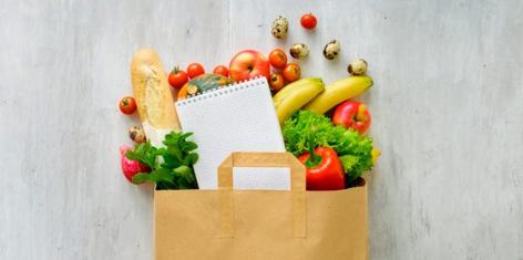 boodschappentas gevuld met fruit en groenten